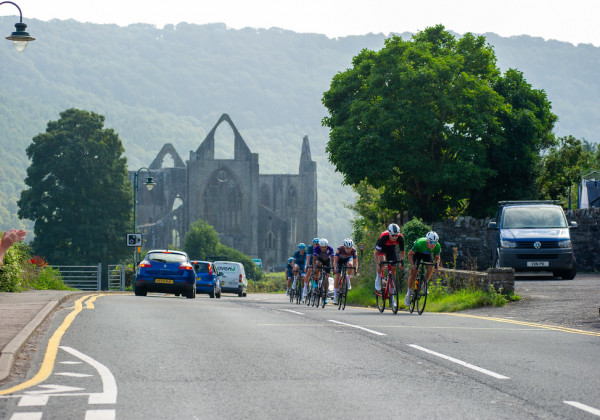 Alfred George, Discovery Junior Cycling ClubrSamuel Watson, Fensham Howes ? MAS DesignrStage 5 - Abergavenny – Tumble Mountainr94.8km / 58.7 mile road racer@ David Partridge / 5311 Media